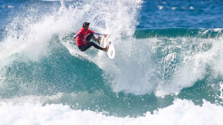 Miguel Pupo wins ABANCA Galicia Classic Surf Pro 2019 for the QS 10,000